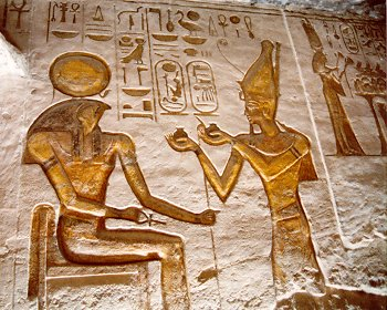 Ramesses making an offering to Ra-Harakhte