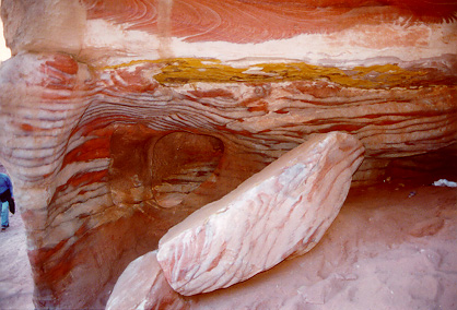Sandstone coloration